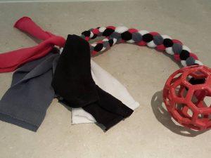 Hol-ee roller tug toy